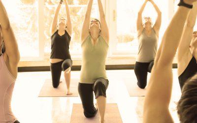 La pratique du yoga est un allié de choix pour apprendre à mieux gérer ses émotions et lutter contre l'anxiété et le stress.